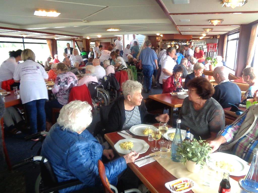Schifffahrt auf dem Rhein Diakoniewerk Friedenswarte